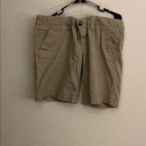America. Eagle khaki shorts